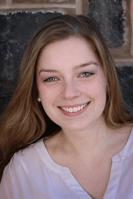 Madeleine Titus Headshot